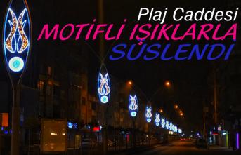 Cadde motifli ışıklarla süslendi